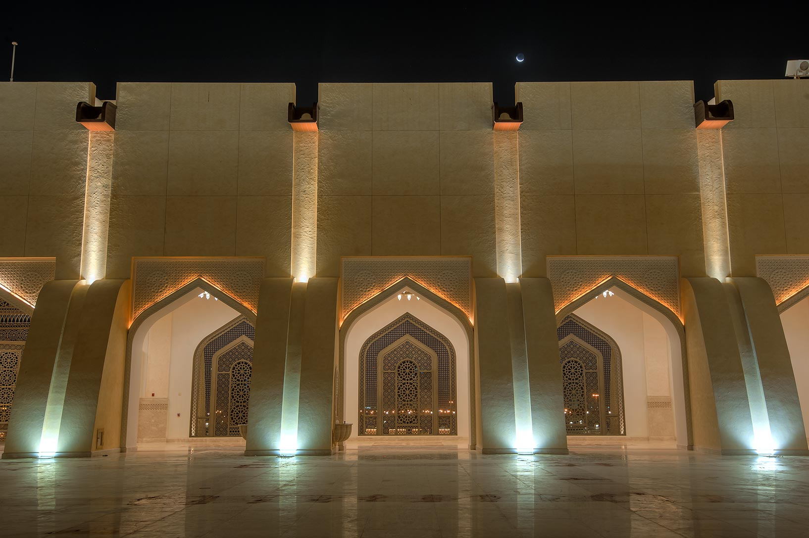 Gallery of women's section of State Mosque...Ibn Abdul Wahhab Mosque). Doha, Qatar