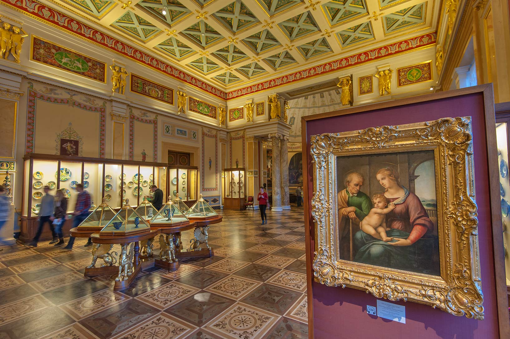 photo 171902 renaissance art in majolica room in
