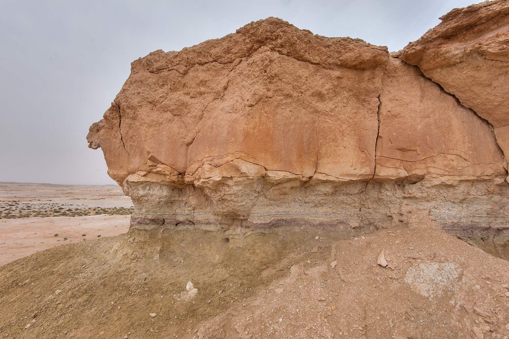album maszhabiya in southern qatar limestone rock qatar
