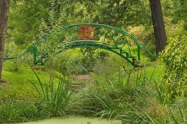 Slideshow 1248 27 Foot Bridge In Botanic Gardens Of Komarov Botanical Institute St Petersburg
