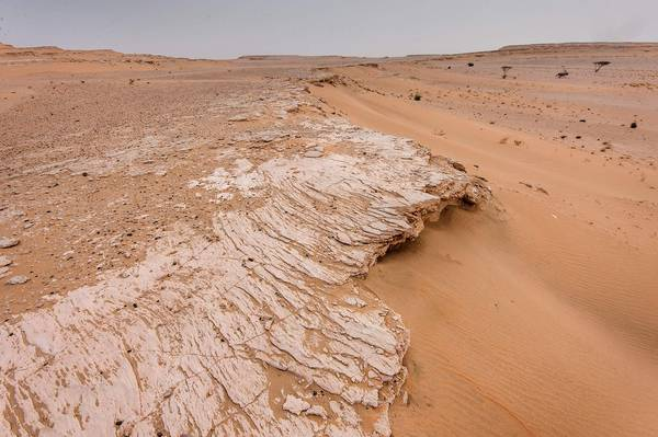 Slideshow 1591-28: Wind abrasion of limestone cliffs in ...